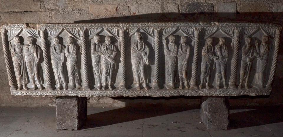Cathédrale de Clermont ; sarcophage aquitaine