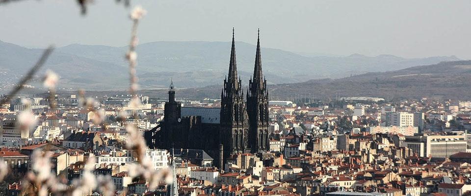 cathédrale catholique de Clermont-Ferrand